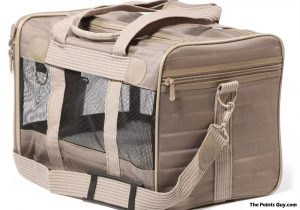 Stipulations That Airline Approved Pet Carriers Must Meet